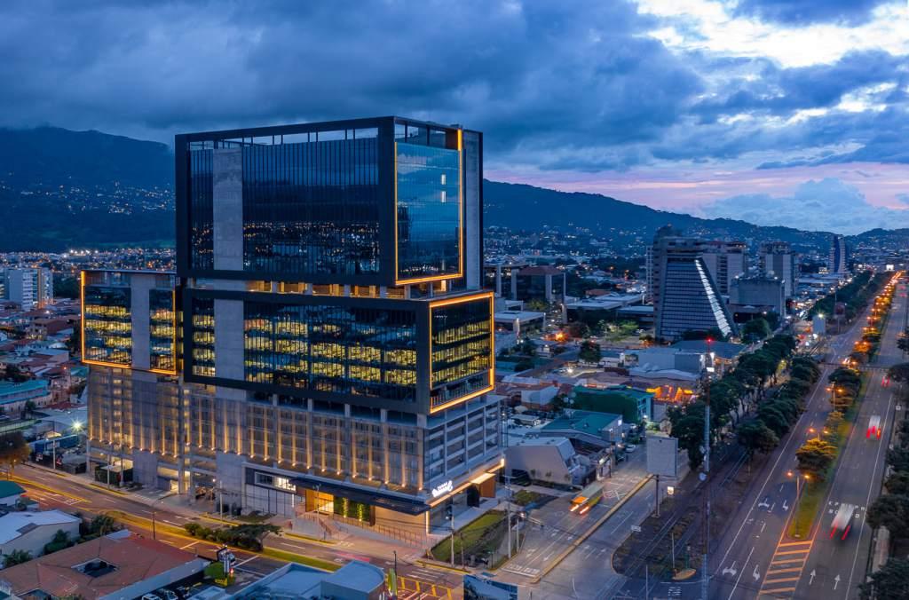 Costa Rica: Inicia operación Torre Universal, una inversión de US$50 millones