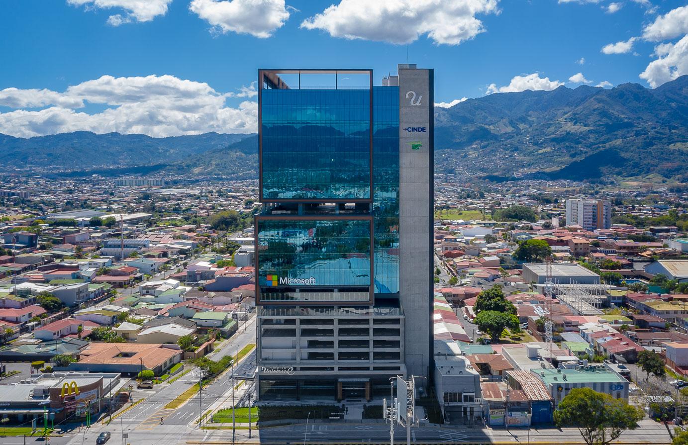 NEGOCIOSRESPONSABILIZARSE TORRE UNIVERSAL, UN PROYECTO CREADO CON CONCIENCIA AMBIENTAL EN COSTA RICA